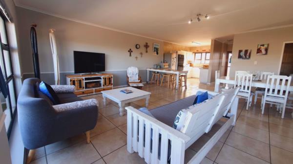 2 bedroom apartment for sale in Middedorp (Langebaan)