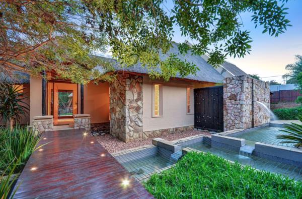 4 bedroom house on auction in Bryanston