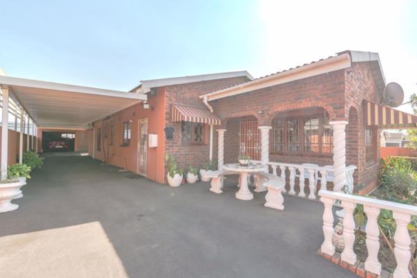 3 bedroom house for sale in Palmview (Phoenix)