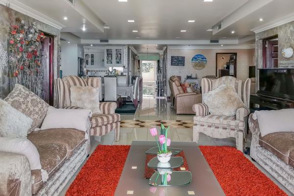 3 bedroom apartment for sale in Glenwood (Durban)