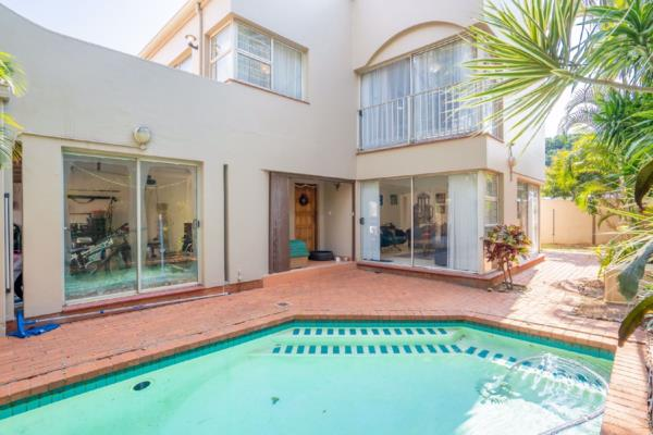 4 bedroom townhouse for sale in Glenwood (Durban)