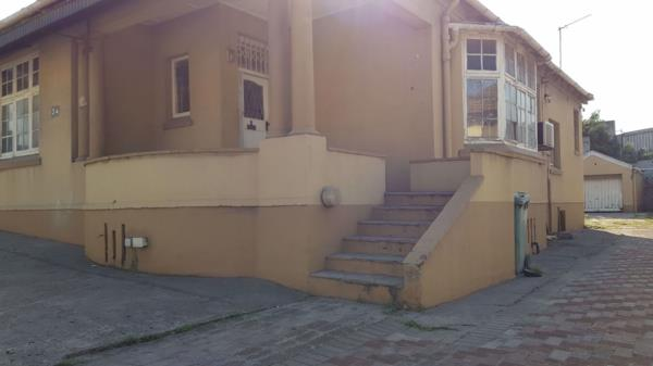 557 m² commercial office for sale in Umbilo
