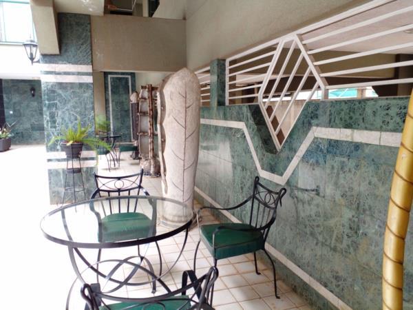2 bedroom apartment to rent in Kilimani (Kenya)