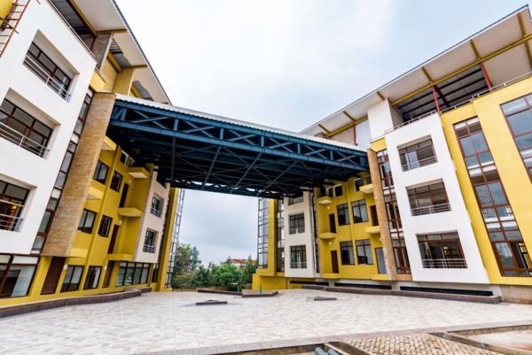 372 m² commercial office to rent in Karen (Kenya)