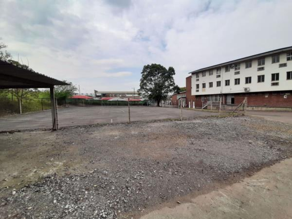 8077 m² commercial industrial property to rent in Pinetown
