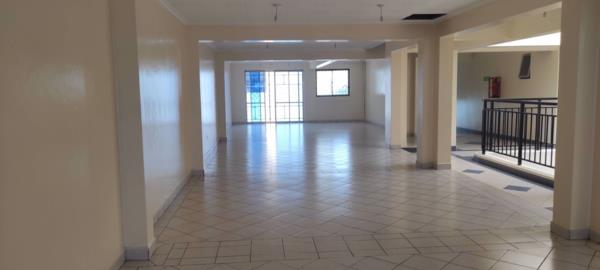 140 m² commercial office to rent in Thika Road (Kenya)