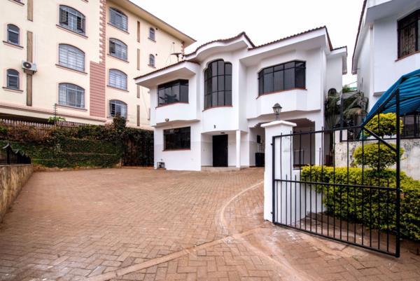 5 bedroom townhouse to rent in Riverside (Kenya)