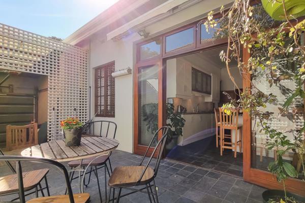 2 bedroom house for sale in Oranjezicht