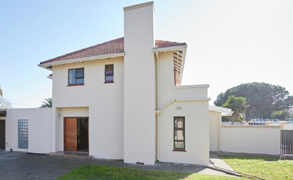 3 bedroom house for sale in Pinelands (Cape Town)