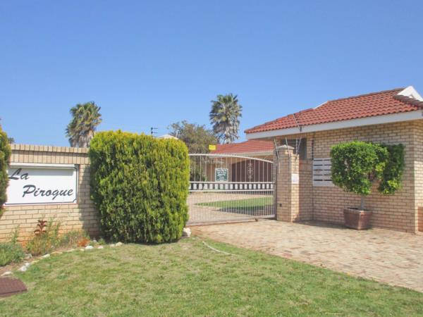 3 bedroom townhouse for sale in Summerstrand