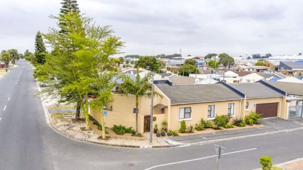 5 bedroom house for sale in Morgenster