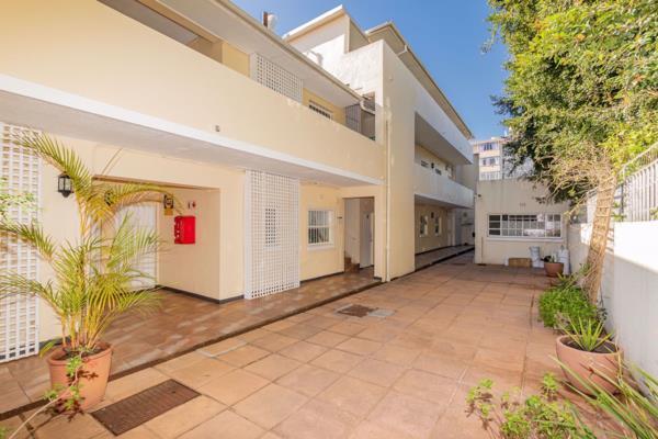 1 bedroom apartment to rent in Kenilworth Upper