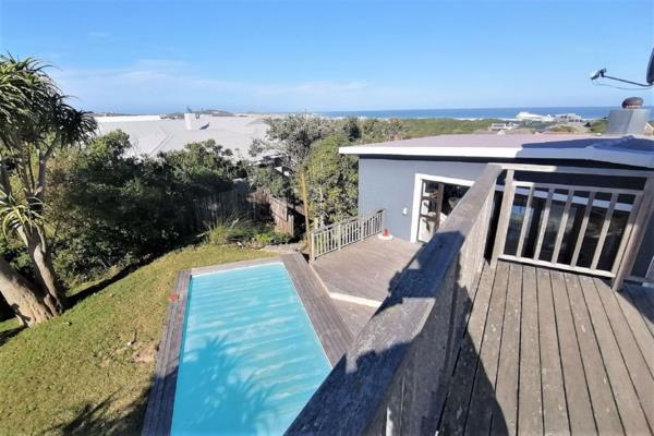 6 bedroom house for sale in Cape St Francis