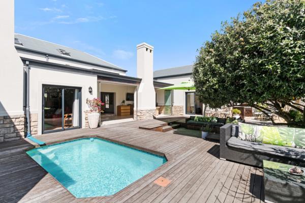 4 bedroom house for sale in Atlantic Beach Estate