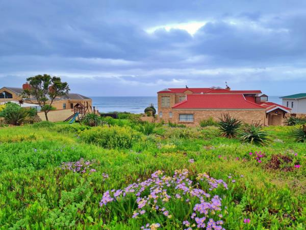 1126 m² residential vacant land for sale in Outeniqua Strand