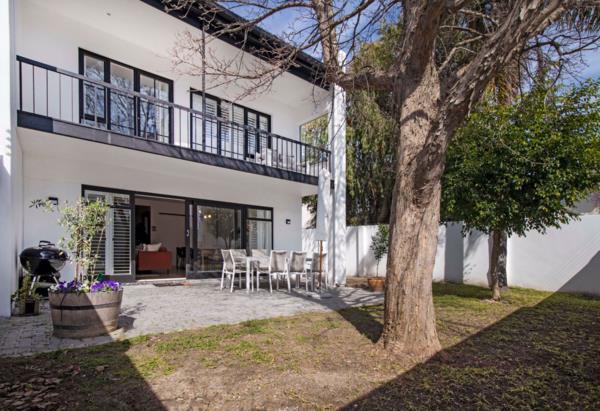 4 bedroom townhouse for sale in Stellenbosch Central