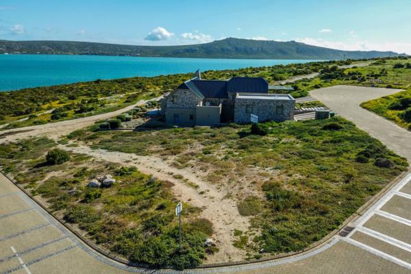 916 m² vacant land for sale in Shark Bay