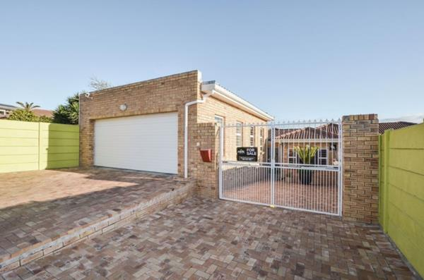 3 bedroom house for sale in Brackenfell South