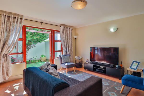 2 bedroom house for sale in Rosebank (Cape Town)