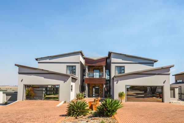 6 bedroom security estate home to rent in Aquavista Mountain Estate