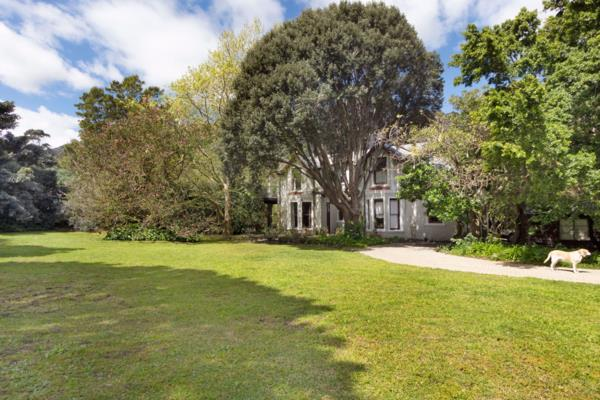 4 bedroom house for sale in Hout Bay Central