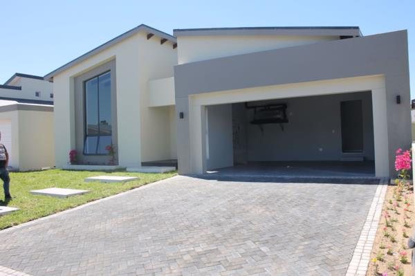 3 bedroom house for sale in Sunset Estate
