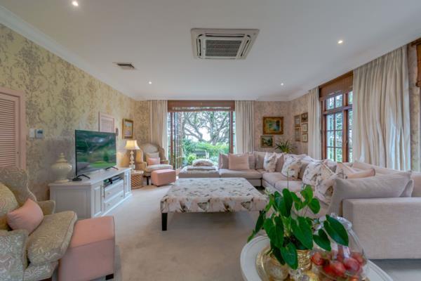 5 bedroom house for sale in uMhlanga Rocks