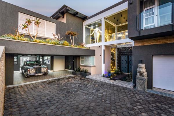 6 bedroom house for sale in Eye of Africa