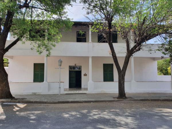 6 bedroom house for sale in Graaff-Reinet