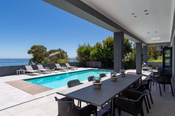 8 bedroom house for sale in Bantry Bay