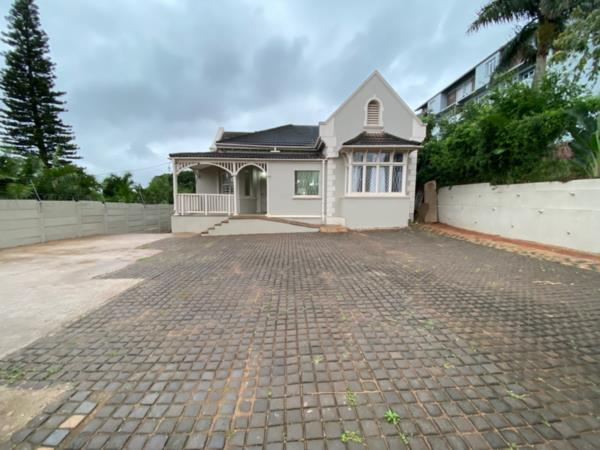 5 bedroom house for sale in Bulwer (Durban)