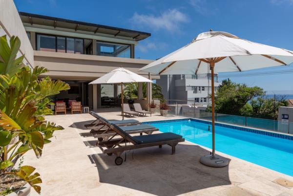 6 bedroom apartment on auction in Bantry Bay