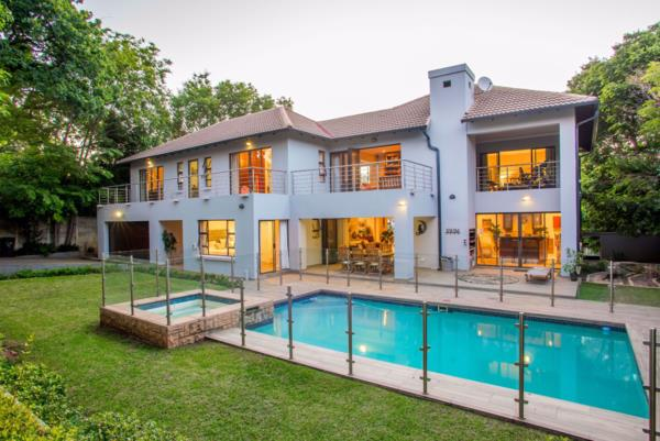5 bedroom house for sale in Craighall Park