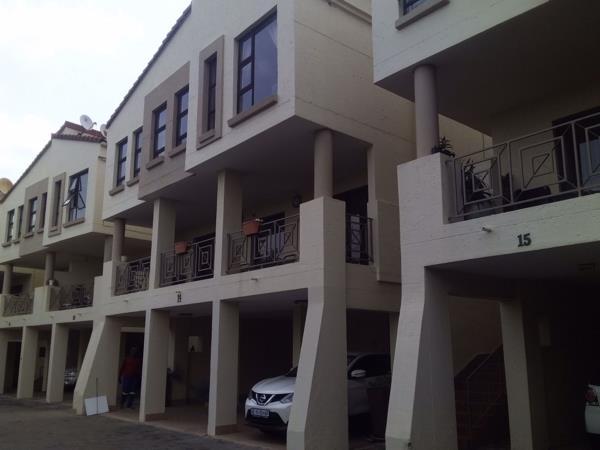 5 bedroom townhouse to rent in Arcadia (Pretoria East)